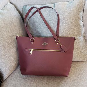 Coach Gallery Tote Wine Crossgrain Leather